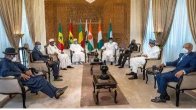 "Photo of الأزمة في مالي : ماوراء الكواليس في قمة ""ايكواس""."