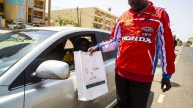 "Photo of ""الشؤون الإسلامية"" توزع 12 طناً هدية خادم الحرمين الشريفين من التمور الفاخرة في السنغال"